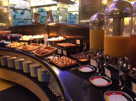 buffet breakfast picture of disney s hollywood hotel