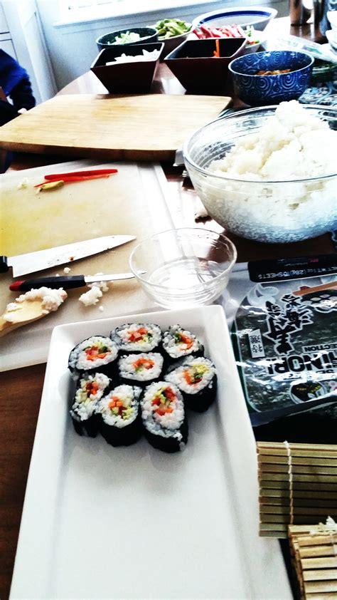 Tupperware Rock N Roll Sushi Maker 4 adventures in sushi