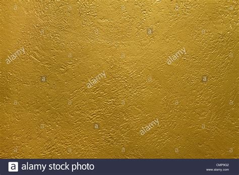 gold walls bedroom best metallic paint for accent wall