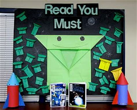 The Strange Of Origami Yoda Reading Level - origami yoda origami and bulletin boards on