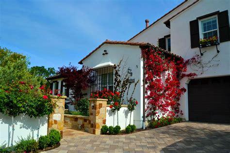garden fencing ideas Landscape Mediterranean with