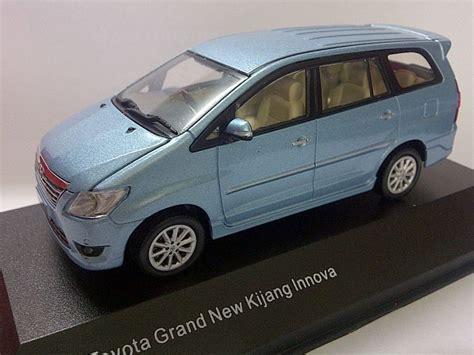 Diecast Kijang Inova toyota grand new kijang innova light blue metallic auto models