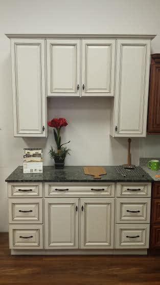 sunnywood kitchen cabinets sunnywood sanibel kitchen display sale building