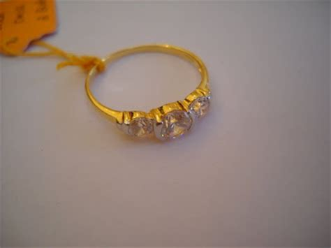 Cincin 2 Jari Bentuk Sayap image gallery cincin pertunangan