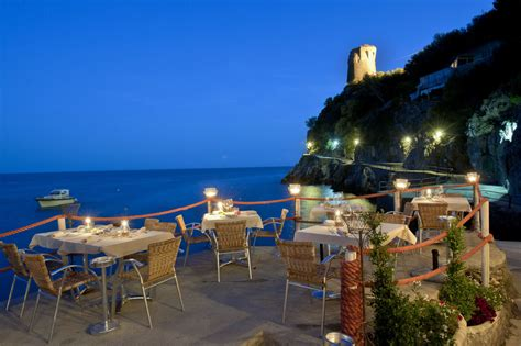 best restaurants amalfi top 10 dining with a view legatto lifestyle