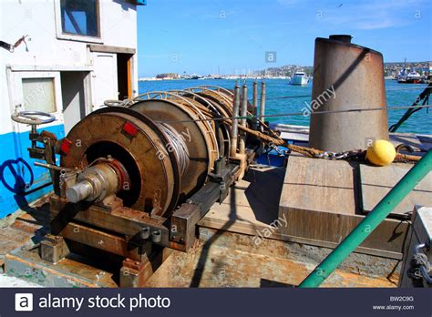 boat engine winch capstan winch of trawler fishing boat power engine to pull