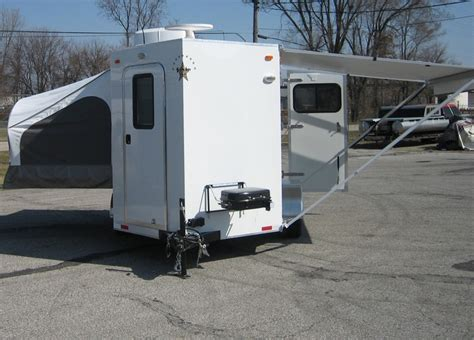 1000 images about living quarters horse trailer ideas on 1000 images about 1 horse or motorcycle living quarters