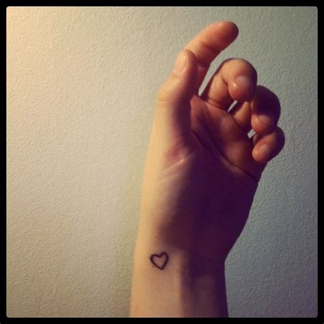 wrist heart tattoos designs simple on wrist tattooshunt