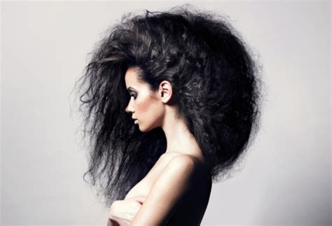 hairstyles for big poofy curly hair 10 easy diy methods to tame frizzy hair simple