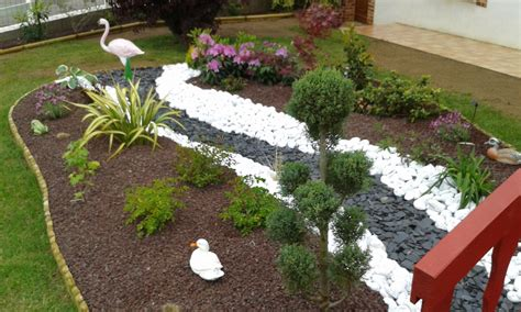 Riviere Seche Jardin by Rivi 232 Re S 232 Che Et Paillage Min 233 Ral Du Massif