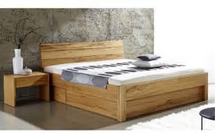 Massivholzbett Mit Bettkasten by Massivholzbetten Mit Bettkasten Tolle Betten Stauraum