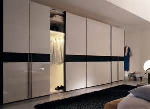 Floor To Ceiling Closet Doors Sliding Stylish Sliding Closet Doors With Mirror Bringing Charms In Interior Ideas 4 Homes