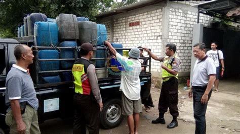 Kompor Jos Elpiji 2 orang produsen arak berikut ribuan liter arak di