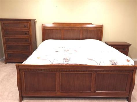 Bedroom Furniture Wa Cherry Wood Bedroom Set Furniture In Bellevue Wa Offerup