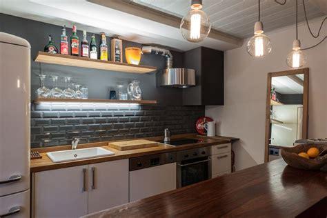 cerco piastrelle oltre 1000 idee su cucina con pavimento in piastrelle su