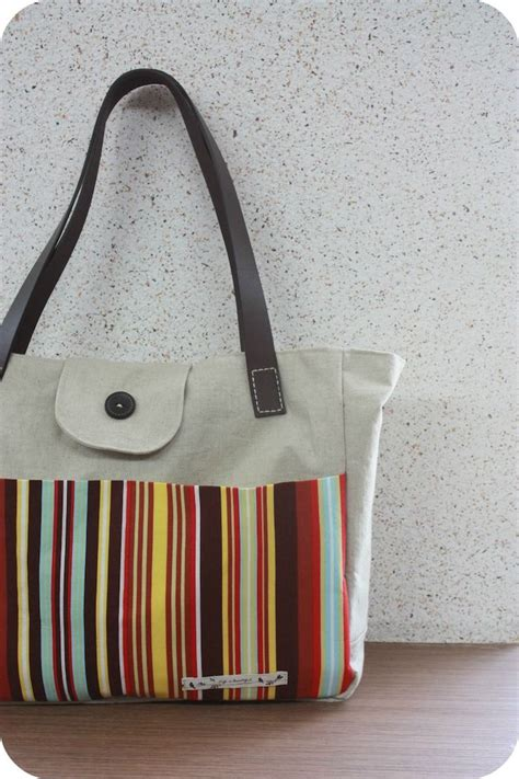 Handmade Bag Tutorial Free - tote bag with leather straps free sewing tutorial