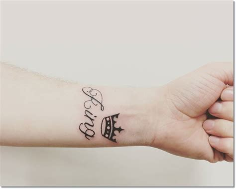 60 wonderful crown tattoos for your writs