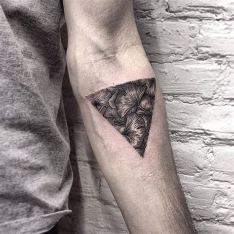 easy tattoo krakow poland tattoo artist roma severov 16 tattoos