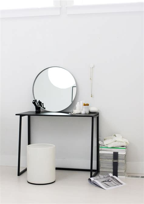 Makeup Vanity Desk With Mirror 1 Bureau 3 Possibilit 233 S Frenchy Fancy