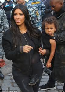 North west baby pictures kim kardashian and kanye west s daughter