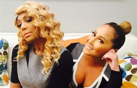 tamar braxton wrist tattoo tamar braxton gives 2 cents on adrienne s