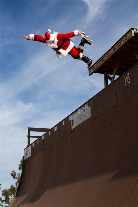 Santa Claus The Skateboarder Click Santa Claus Skateboard