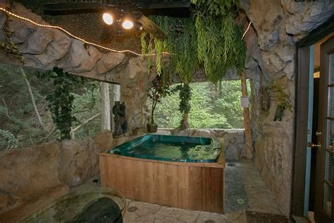 Pigeon Forge Cabins With Tub by Pigeon Forge Pet Friendly Cabin With Indoor Tub