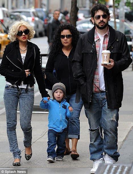 Aguilera Husband On Sundays by Aguilera Splits From Husband Bratman