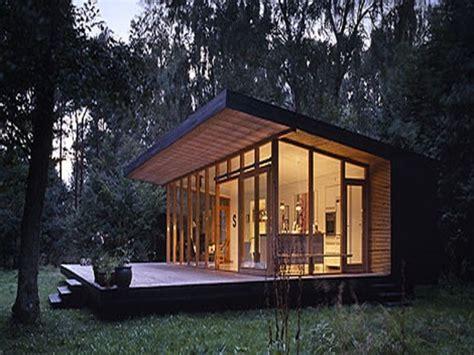 lean  encore une fois small modern house plans modern