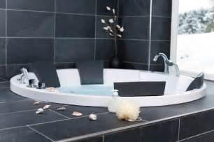 si鑒e ノl騅ateur de bain modele de salle de bain avec