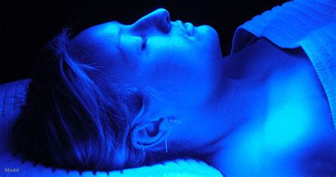 blue light therapy healing acne with blue light therapy arion skin laser