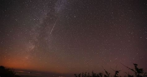 lyrid meteor shower livestream when and where you can see the spectacular lyrid meteor