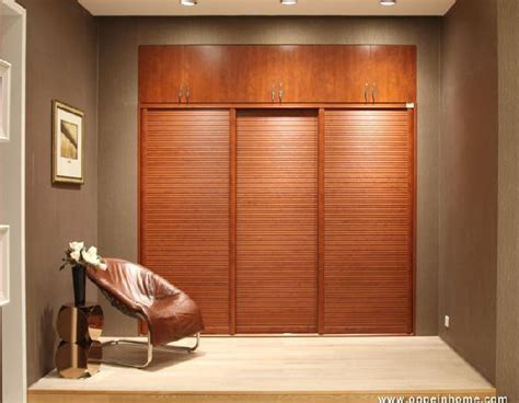 Built In Sliding Wardrobes by China Manufacturer Melamine Built In Wardrobe Yg11080 Photos Pictures Made In China