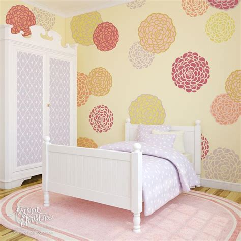 Bedroom Wall Stencils by Big Bloomers Zinnia Flower Stencil Set Royal Design