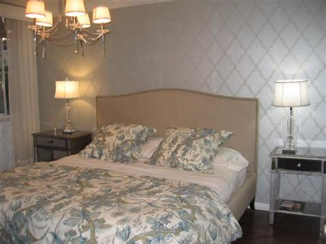 Eggshell Or Satin For Bedroom by Wall Pattern Flat Or Eggshell Base Coat Then Stencil