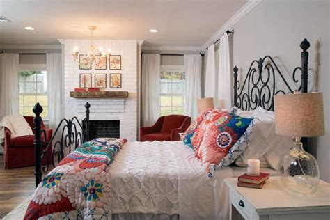 Chip And Joanna Gaines Master Bedroom Paint Color Is Just A Tire Swing A Woodway Fixer