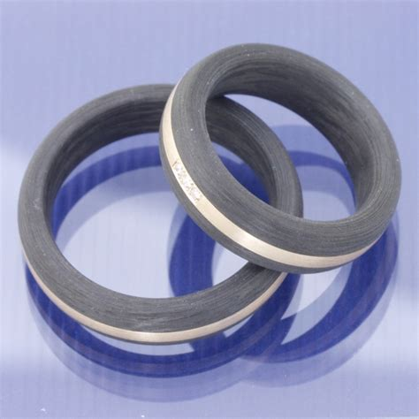 Hochzeitsringe Carbon by Eheringe Shop Carbon Eheringe Mit Ros 233 Gold