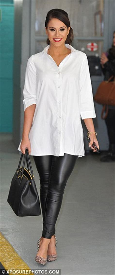 taylor swift clean t shirt vicky pattison jokes about taylor swift s nme awards 2016