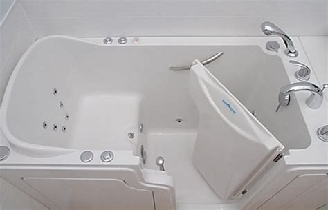best walk in bathtubs best walk in tubs 2018 top rated walk in tubs reviews