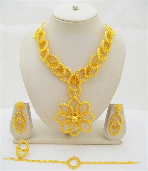 old pattern gold necklace flower filigree gold plated necklace petal pattern indian