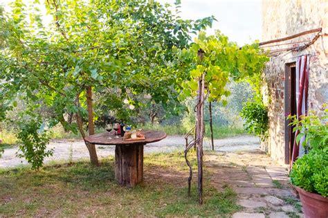 giardini casali giardino rustico mediterraneo patio firenze di