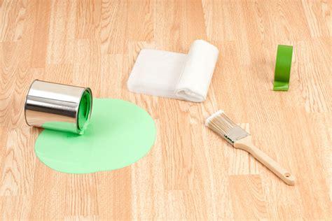 wandfarbe aus teppich entfernen wandfarbe vom boden entfernen 187 so geht s