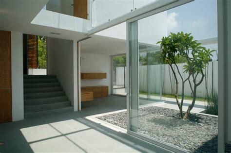 Modern Home Design With Courtyard Den Innenhof Gestalten 25 Ideen F 252 R Kleine Urbane Oase