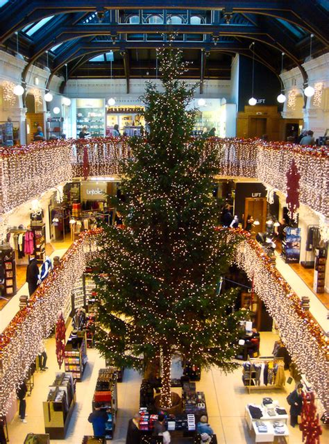 edinburgh feature jenners christmas tree 2009