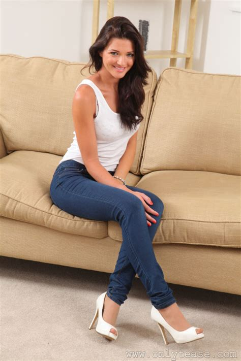 blue jeans and high heels pantyhose hose under trousers jeans and hose pinterest
