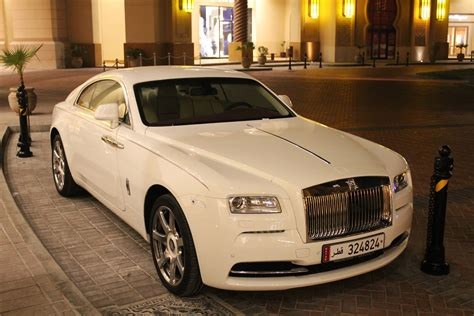 400 000 rolls royce wraith 2014 white at the pearl in
