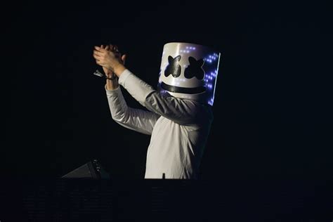 marshmello que significa marshmallo the chainsmokers and ti 235 sto at decadence 2017