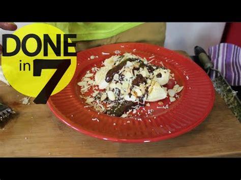 Donald Cokelat pisang plenet keju saus cokelat done in 7