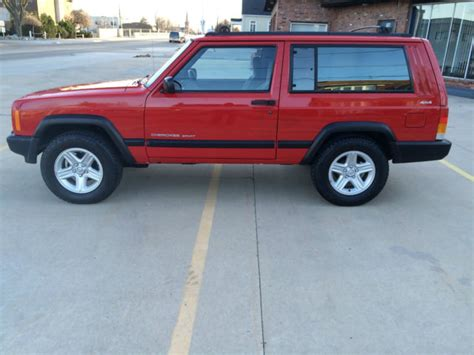 jeep red two door 1998 jeep cherokee sport red 2 door 4x4 4 0 rust free