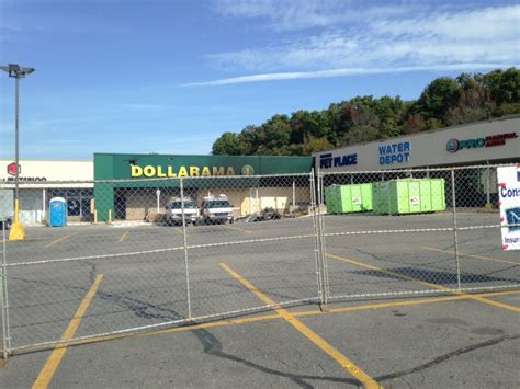 Dollarama In Kitchener by Some Parkdale Plaza Businesses Won T Reopen Until 2016